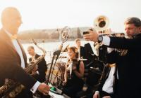 Original Vintage Orchestra v Praze Přeloženo