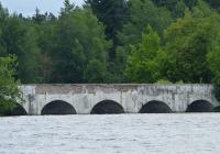 Kamenný most přes rybník Vítek