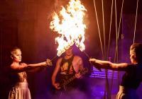 Oblíbení předskokani a oslavy tibetského nového roku. RockOpera Praha nabízí exkluzivní reprízy