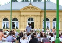 Promenádní koncert ve Smetanových sadech