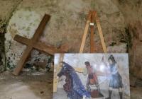 Šimon Cyrenský pomáhá Ježíši nést kříž