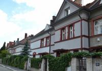 Od Müllerovy vily ke kostelu sv. Norberta a dál