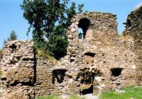 Úprava hradu Buben Klubem československých turistů na historické fotografii