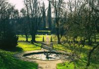 Hledání velikonočních vajec v parku zámku Ploskovice