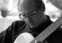 Komorní kytara ve vile: Bláha & Parejo