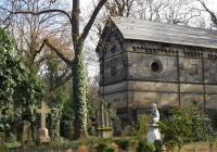 Olšanské hřbitovy I - prázdninová vycházka