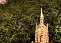 Riedlova hrobka, Desná