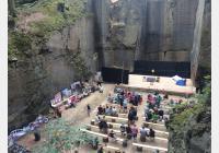 Prysk – za Rumcajsovou jeskyní, skalním divadlem i koupáním