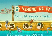 Michal Hrůza na lodi na Vltavě