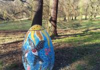Hon na obří velikonoční vejce zámkem Hluboká