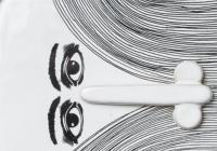 Černobílé: nic není a přitom je / Výběr porcelánu a keramiky ze sbírek AJG