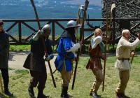 Mečem proti kalichu