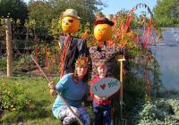 Putování Dýňového panáčka podzimní zahradou