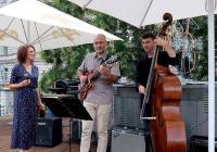JAZZ NA STŘEŠE: Petra Ernyei Trio
