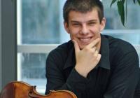 LIVE stream – Mráček hraje Čajkovského