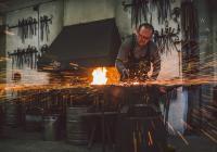 Léčba železem a ohněm