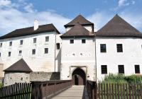 Dětské prohlídky hradu se služkami Květuší a Zlatuší