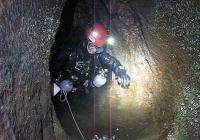 Objevování nových jeskynních systémů Rumunska
