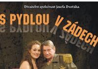 Divadelní společenost Josefa Dvořáka: S Pydlou v zádech