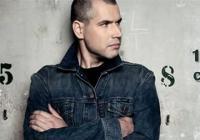 Vladimír 518 & DJ Mike Trafik před klubem Cross - zdarma