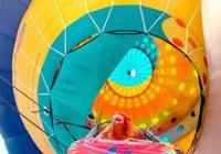 Nejen stopnutým balonem sama kolem světa