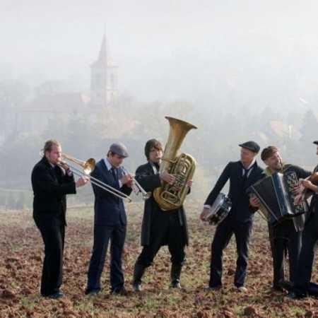Pohřební kapela (Křest CD ) + host orchestr Šarbilach