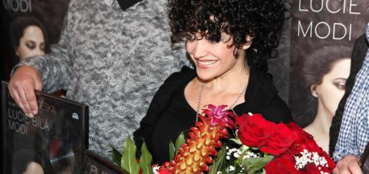 Několikanásobná slavice Lucie Bílá křtila nové album MODI a knihu Život je jen náhoda