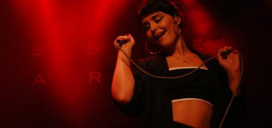 První jarní den s Jessie Ware, novou Bohyní světové soul/POP music