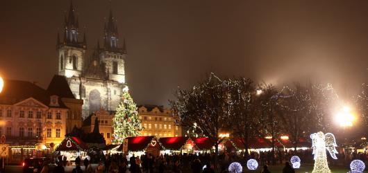 Kam o adventu v Praze? Do Mikulášského vlaku, na brusle, trhy nebo do ZOO za kačku