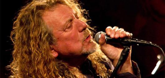 Robert Plant ovládl Colours a stal se oficiálně jejich vrcholem