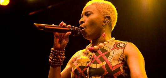 Démonický Grant a neuvěřitelná Angélique Kidjo