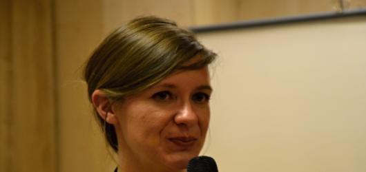 Naomi Woodová představila Praze svou knihu Paní Hemingwayová