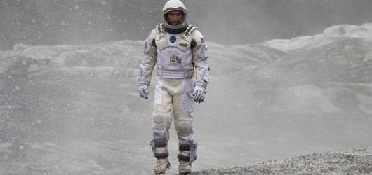 Interstellar: Nebesky dobré sci-fi o tajemstvích vesmíru a síle odhodlání