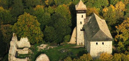 Litický hrad je uzavřen. Víme, co navštívit v okolí