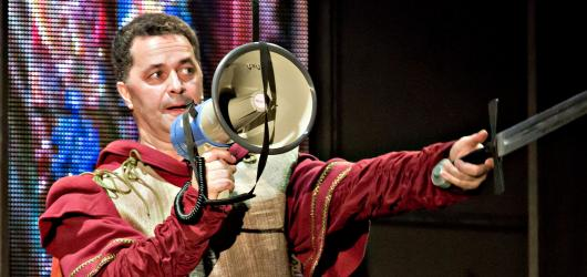 Mýdlový princ baví diváky na prknech Divadla Broadway. Hlavním tahákem jsou herci a známé písně