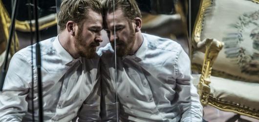 Divadlo Na zábradlí oživilo mrazivý příběh Doktora Živaga