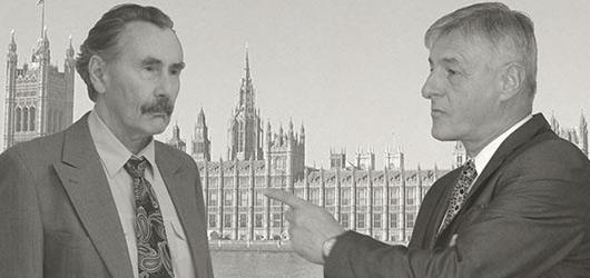 Hlubocké Jistě, pane premiére! pobaví perfektními dialogy a suchým britským humorem