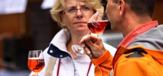 Pálavské vinobraní láká nejen na degustace vína a burčáku, ale i na bohatý kulturní program