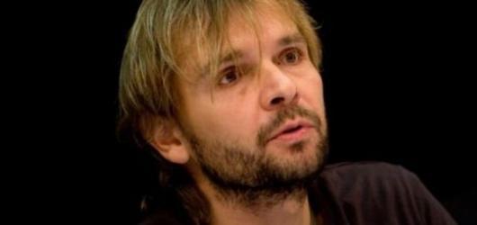 Jan Ďurovčík má rád silné, vyostřené emoce a režíruje hlava nehlava