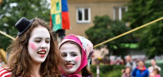 Festival Cirkulum ukazuje, že cirkus může bavit i bez zvířat