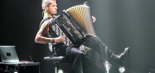 Soutěžte o volné vstupenky na koncert akordeonového samuraje Kimmo Pohjonena!