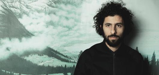 José González zahraje v lednu v Praze. Doprovodí ho experimentální orchestr The String Theory