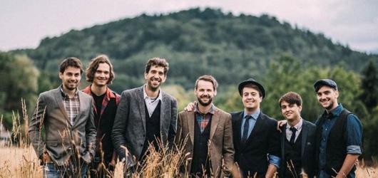 Kapela Jelen představila fanouškům nový singl i videoklip. Věnovala ho všem ženám a jejich otcům