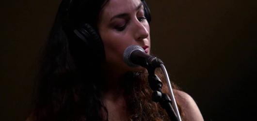 Marissa Nadler vzala fanoušky svým hlasem do snu o konci světa