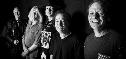 Pražský koncert AC/DC se neúprosně blíží. Jako předkapela vystoupí čeští Doctor Victor
