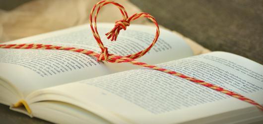 11 knižních novinek, které jsou ideálním dárkem pod stromeček