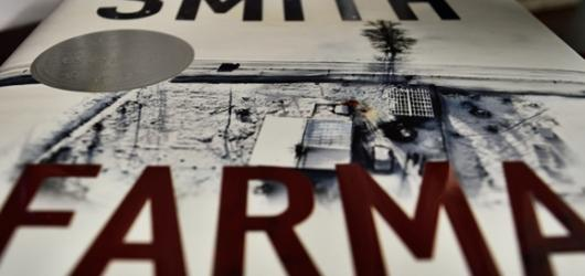 Po úspěšném bestselleru Dítě číslo 44 přichází Tom Rob Smith s psychothrillerem Farma