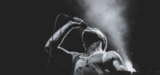 Rock for Churchill doveze do Vroutku Dub FX, Modestep i Nneku