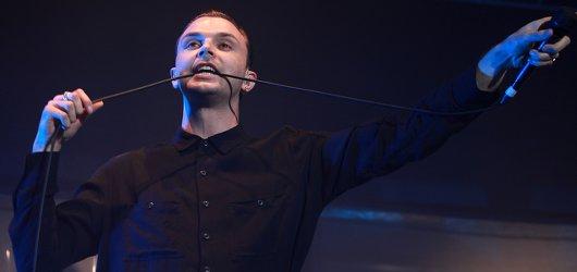 Hurts předvedli v Praze show nabitou energií