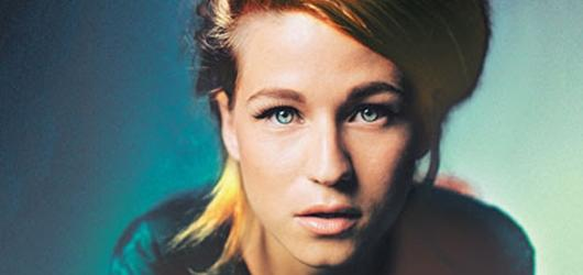 Do Prahy a Brna míří zpěvačka Selah Sue. Jako předskokanka vystoupí Emma Smetana